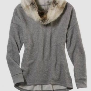 Aerie Gray hoodie with faux fur accent size M!